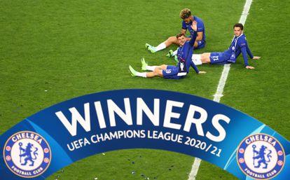 Mount, Chilwell y James, tras conquistar la Champions.