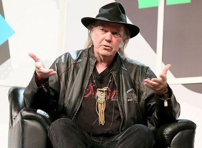 Neil Young habla del Pono en el festival tejano South By Southest.