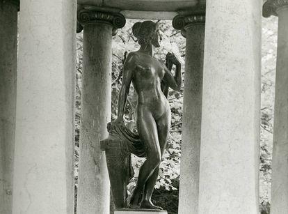 La estatua de Afrodita, en su antiguo emplazamiento del parque de Bauernberg, en Linz (Austria), ciudad en la que creció Adolf Hitler.
