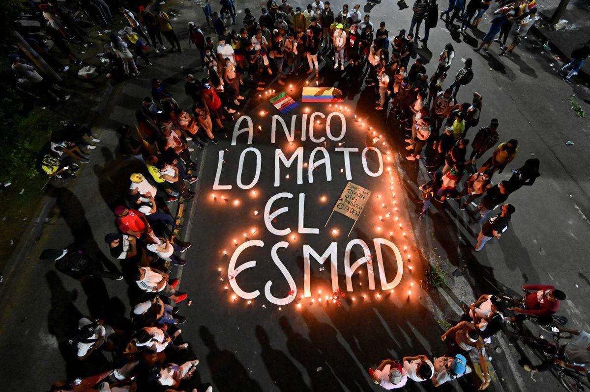 """Las voces de la peor noche de represión de las protestas en Colombia: """"Esto es una cacería"""""""