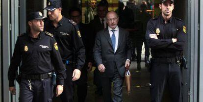 Rodrigo Rato, el pasado octubre, a su salida de la Audiencia Nacional, tras declarar por las tarjetas opacas de Caja Madrid.