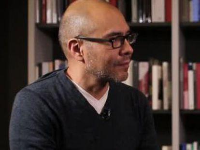 El autor mexicano recomienda a sus maestros en ciencia ficción y publica en España  Diez planetas