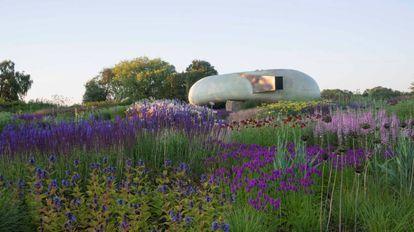 Radic Pavilion, diseñado por Smiljan Radic, en Hauser & Wirth Somerset, centro de arte que la galería abrió en este condado del suroeste de Inglaterra.