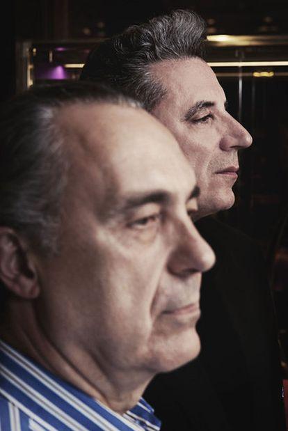 La poesía de Luis Alberto de Cuenca, en primer plano, ha inspirado el nuevo disco de Loquillo.