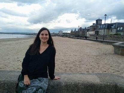 María Cumplido, investigadora en matemáticas, estudia la complejidad y los misterios de los grupos de trenzas.