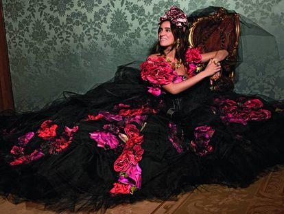La consultora de moda Coco Brandolini, fotografiada por Domenico Dolce para el libro 'Queens'.