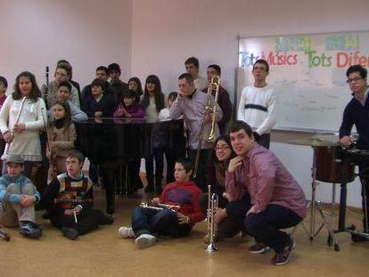 Alumnos del proyecto 'Tots músics, tots diferents'.