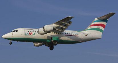 Uno de los aviones de la aerolínea LAMIA.
