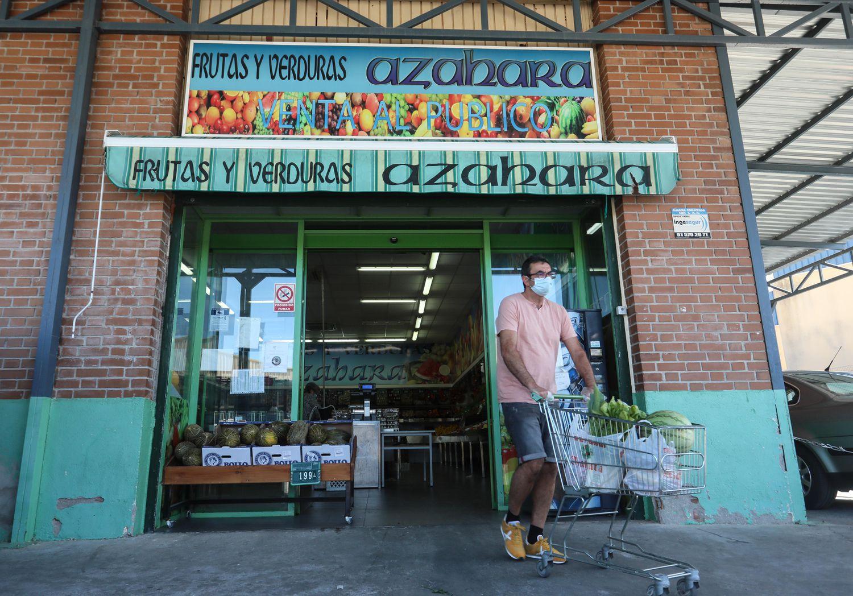 Uno de los locales de la empresa marroquí de frutas Azahara en la población de Griñón (Madrid).