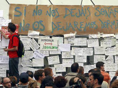 Acampada del 15-M en la Puerta del Sol de Madrid en mayo de 2011.