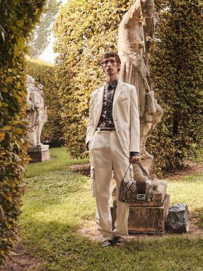La nueva campaña de Fendi se ha fotografiado en Bagnoli di Sopra (Italia).