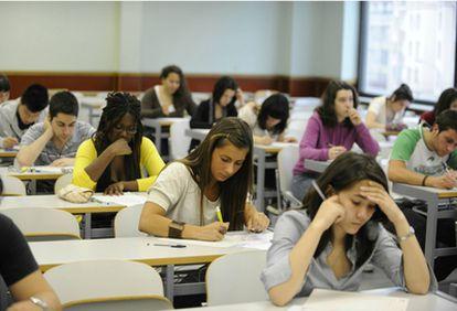 Alumnos en la Escuela de Ingenieros de Bilbao