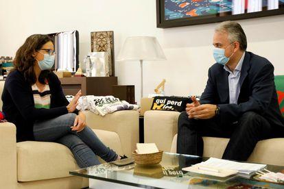La vicepresidenta Mónica Oltra y el vicepresidente segundo Héctor Illueca, el martes en Valencia. ANA ESCOBAR (EFE)