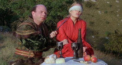 Wallace Shawn junto a Robin Wright en una escena de 'La princesa prometida'.