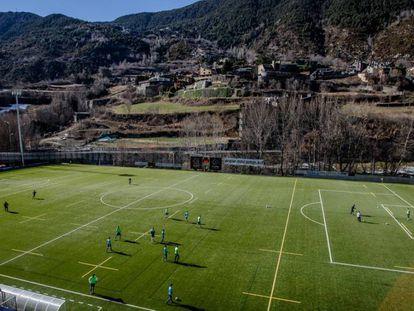 Imagen del campo del Andorra en Encamp.