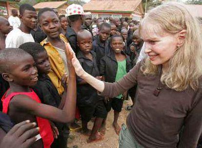 La actriz estadounidense Mia Farrow ha comenzado este sábado una gira de una semana de duración auspiciada por Naciones Unidas (ONU) por la República Centroafricana para pedir más atención y ayuda para las víctimas de una de las crisis olvidadas del mundo.