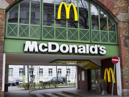 Fotografía de archivo de un local de McDonald's en Viena.