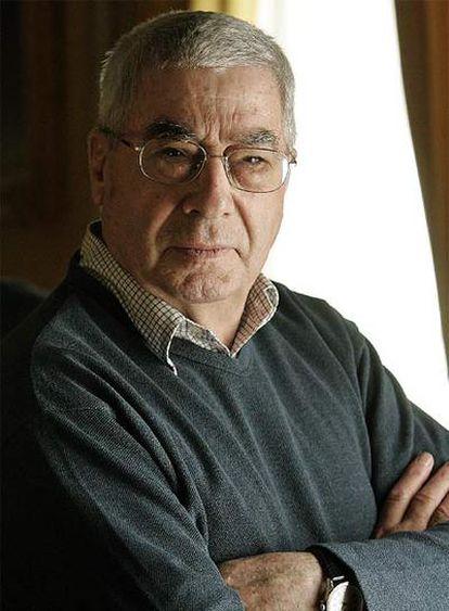 Rafael Azcona, autor de la novela <i>Los ilusos.</i>