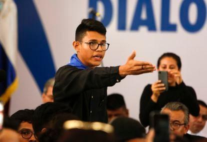 El estudiante Lesther Alemán al increpar a Daniel Ortega en 2018.