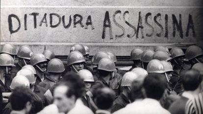 Manifestación en Rio de Janeiro en 1968 contra la dictadura militar.