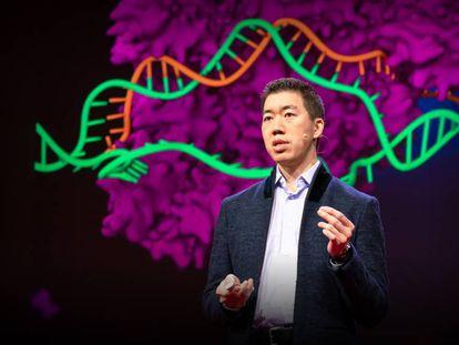 El investigador David Liu, durante una charla TED que ofreció en abril de este año.