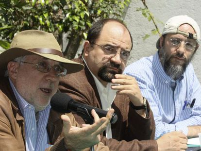 Javier Sicilia, Emilio Álvarez Icaza y Arturo Malvido presentan su tercera Caravana de la Paz.