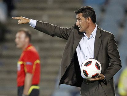 Míchel, en una imagen de archivo, da instrucciones en su anterior etapa como entrenador del Getafe.