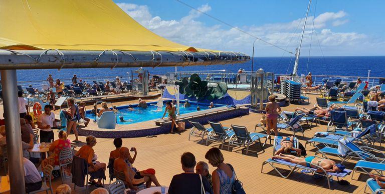 La cubierta del Costa Deliciosa, este pasado sábado. CARLOS FAJARDO