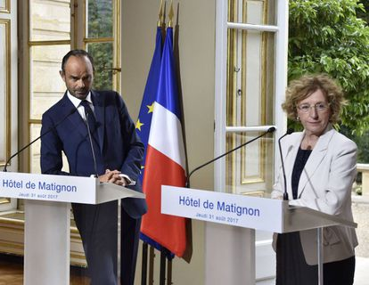 El primer ministro Édouard Philippe y la ministra de Trabajo Muriel Penicaud presentan este jueves la reforma laboral de Macron.