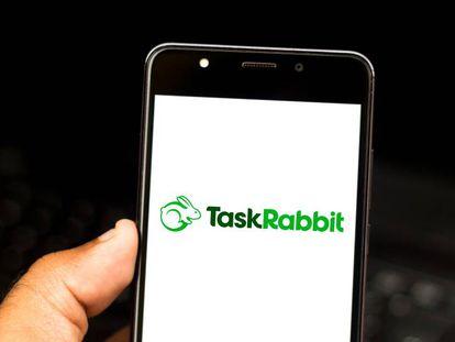 Imagen de la app Taskrabbit en un móvil