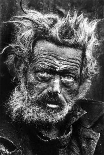 Un indigente irlandés en Londres, en 1969.