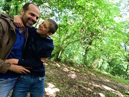 Álvaro Villanueva y su hijo.