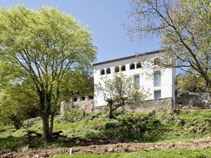 Mas rehabilitado por Josep Lluís Mateo en La Garrotxa (Girona).