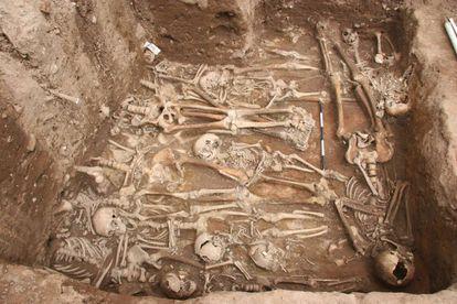 Fosa común en Ellwangen (sur de Alemania) en la que fueron enterrados enfermos de peste.
