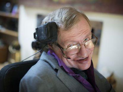 Tras tres años de trabajo, ingenieros de Intel han creado la nueva silla de ruedas conectada con la que Hawking podrá comunicar su genio.
