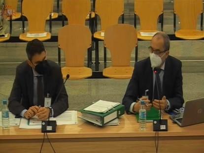 Los peritos de la IGAE, este miércoles, durante su declaración en el juicio de la caja b del PP.