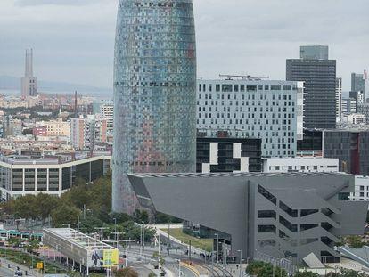 La Torre Glòries, antes llamada Torre Agbar en Barcelona, en una foto de archivo.
