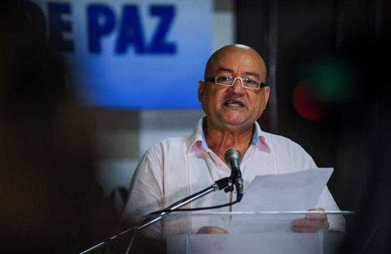 Julián Gallo, también conocido como Carlos Antonio Lozada, durante un anuncio de las FARC.