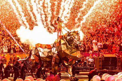 Katy Perry, durante el espectáculo de medio tiempo de la Súper Bowl.