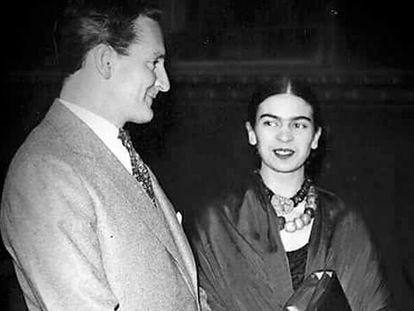 [PIEFOTO]Josep Bartolí y Frida Kahlo, en una fotografía sin fecha ni autor conocido.
