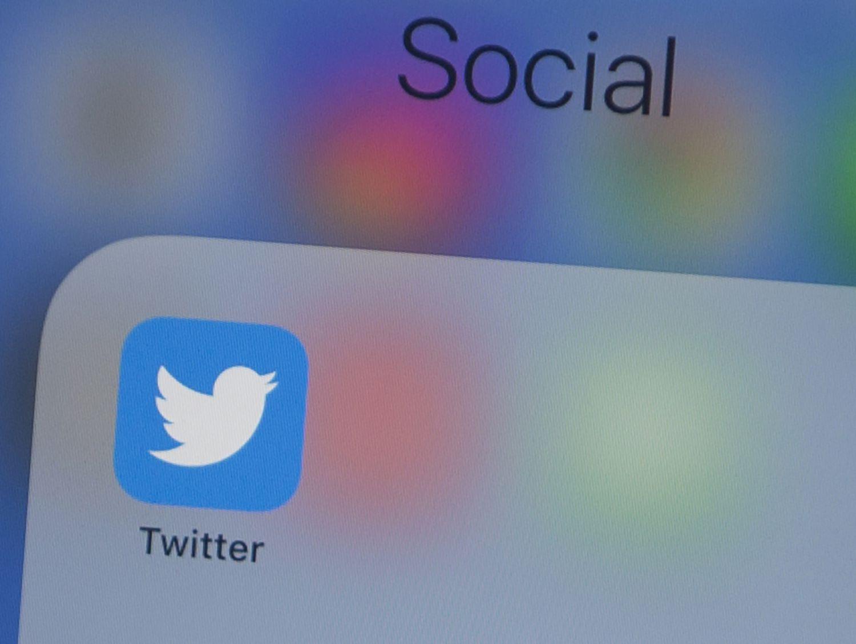 El logo de Twitter en la pantalla de un teléfono móvil, en una imagen del 10 de julio.