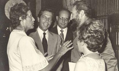Natalia Bolívar junto a Fidel Castro y el entonces presidente español, Adolfo Suárez, en 1978.