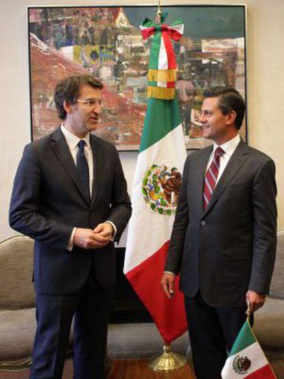 Feijóo (derecha) con el presidente de México, Enrique Peña Nieto