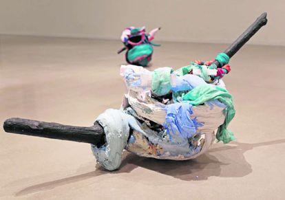 Una de las obras de Elena Aitzoa expuesta en 'Cale, cale, cale! Caale!!!', en Tabakalera en San Sebastián.