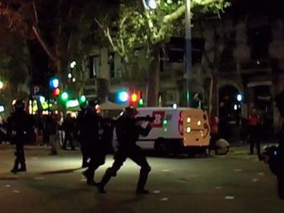 Agentes de los Mossos d´Esquadra durante la huelga del 14-N.