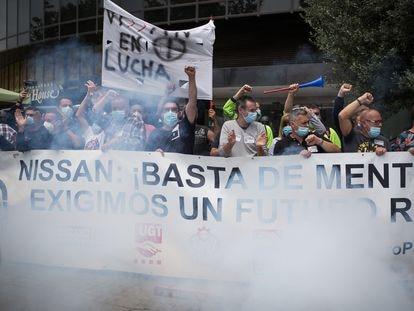 Manifestación de trabajadores de Nissan contra el cierre de fábricas en Cataluña, el pasado jueves en Barcelona.