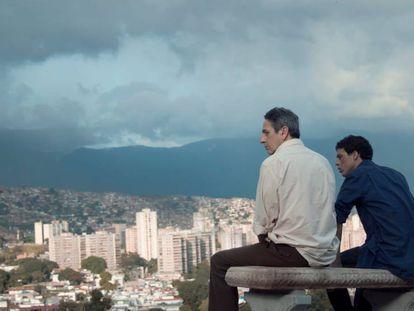 Zoom: Lorenzo Vigas te presenta una escena de 'Desde allá'