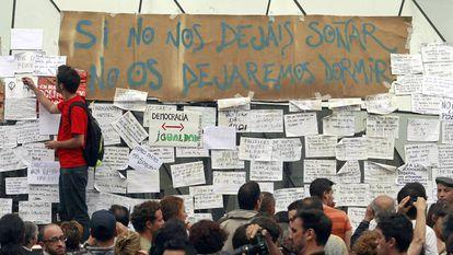 Acampada en la Puerta del Sol de Madrid vinculada movimiento 15-M, en mayo de 2011.
