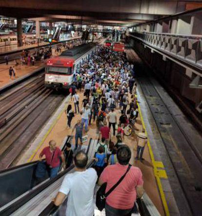 La estación de Atocha este lunes a las siete de la mañana.