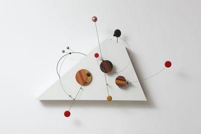 Una obra realizada por el brasileño Abraham Palatnik en 1966.